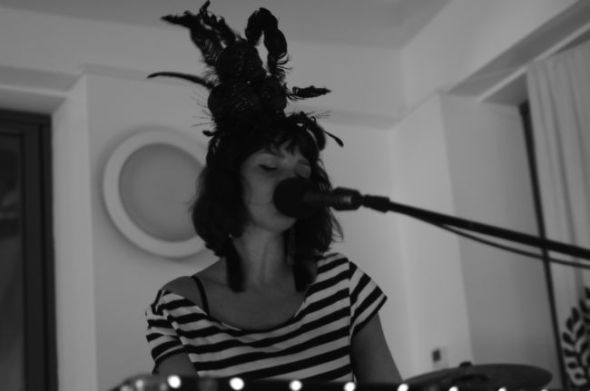 Rosie Vanier @ The Eden Project Cafe 240212 bw close