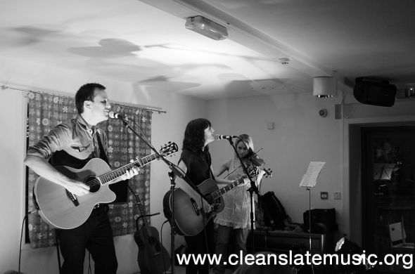 Paper Aeroplanes - Live at Miss Peapods 030612 4